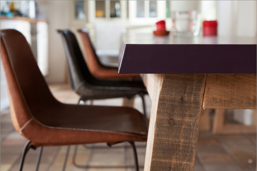 Dining table made of fine-sawn Oak and a lacquered tabletop of MDF